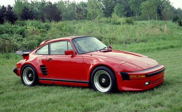 800px-Porsche_911SC_Slantnose_1982_1