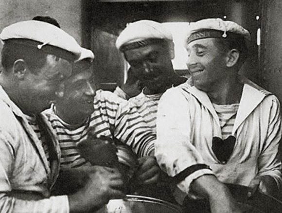 French-Sailors-in-Breton-Stripes(2)